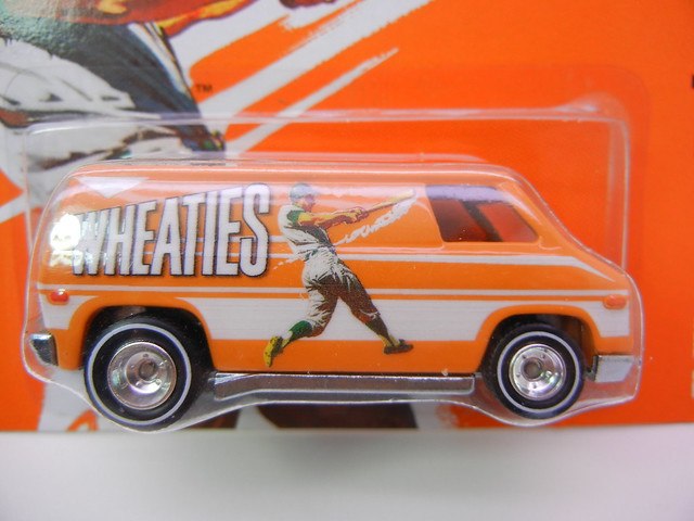 hot wheels nostalgia wheaties  70's van (2)