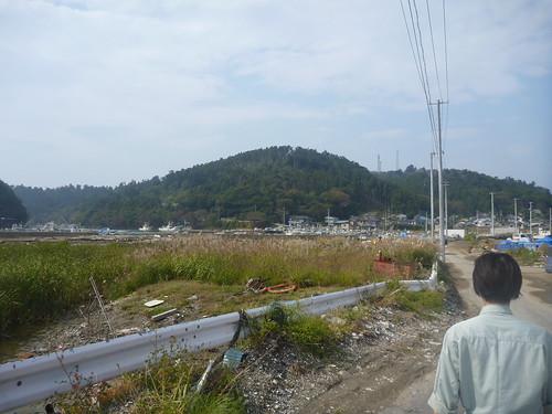 牡鹿半島小渕浜でボランティア Japan Earthquake Recovery Volunteer at Oshika Peninsula, Miyagi pref. Deeply Affected Area by the Tsunami