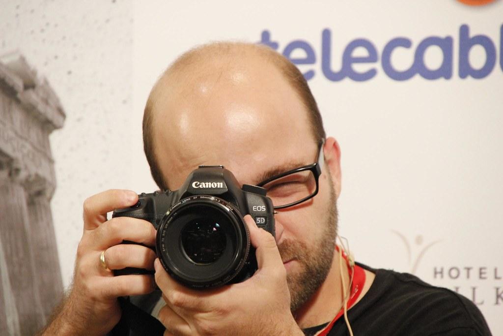 Foto recíproca con @fotomaf en la Mesa de Fotografía Digital en ESET FIMP