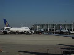 United Airlines - N127UA, N836UA