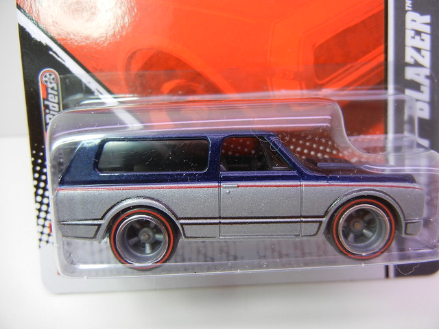 hot wheels garage '70 blazer (2)