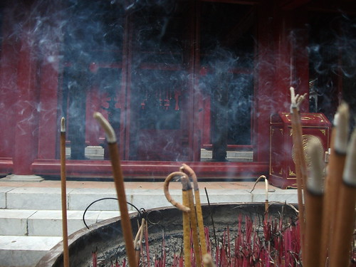 Incense in Hùng Temple by Carlos F. Domingo