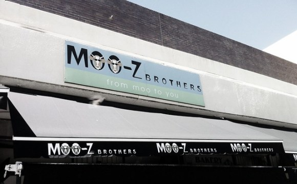 Moo-z brothers sign