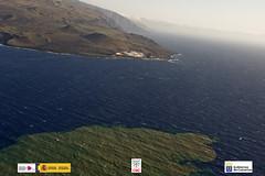 Vista aérea de la mancha de emisiones volcánic...