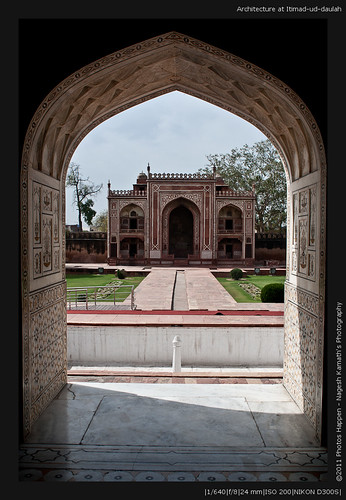 Architecture at Itimad-ud-daulah