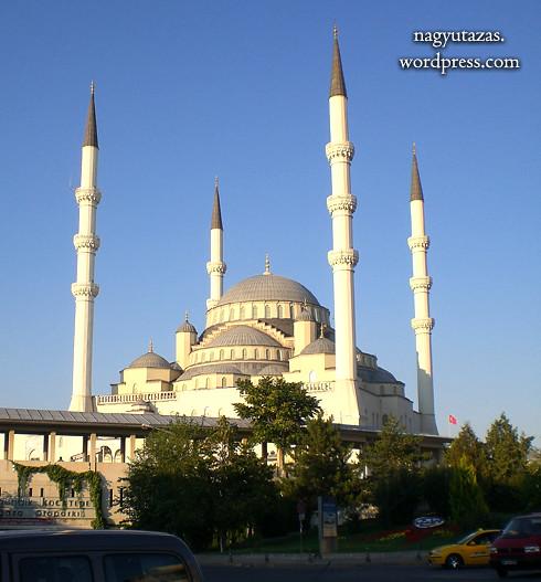 Kocatepe Camii: Ankara legnagyobb mecsete, Törökország