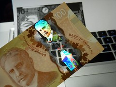 2011 Canada New Polymer $100 - back - pix 18