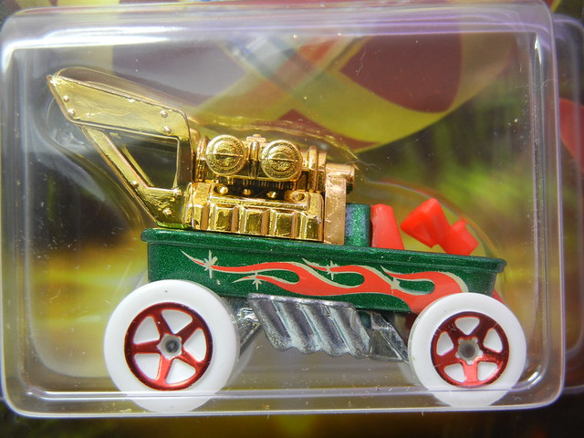2011 hot wheels holiday cars draggin' wagon (2)