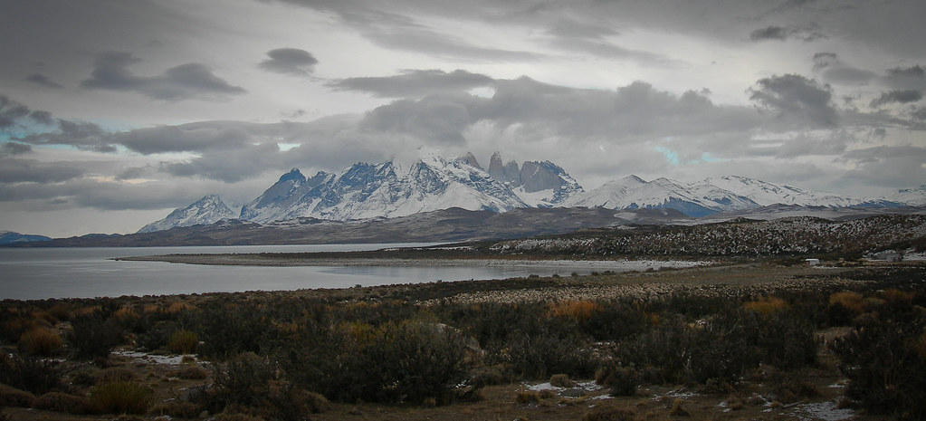 Lago Sarmiento and Cordillera del Paine, as seen from the steppe (july 2006)