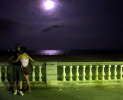 9h04 Caldetes nocturnos y Arenis031 Variante 2 La luna y los enamorados
