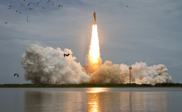 STS-135 Atlantis Launch (201107080015HQ)