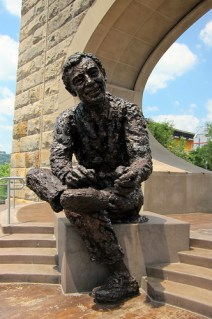 Mr. Rogers Statue in Pittsburgh
