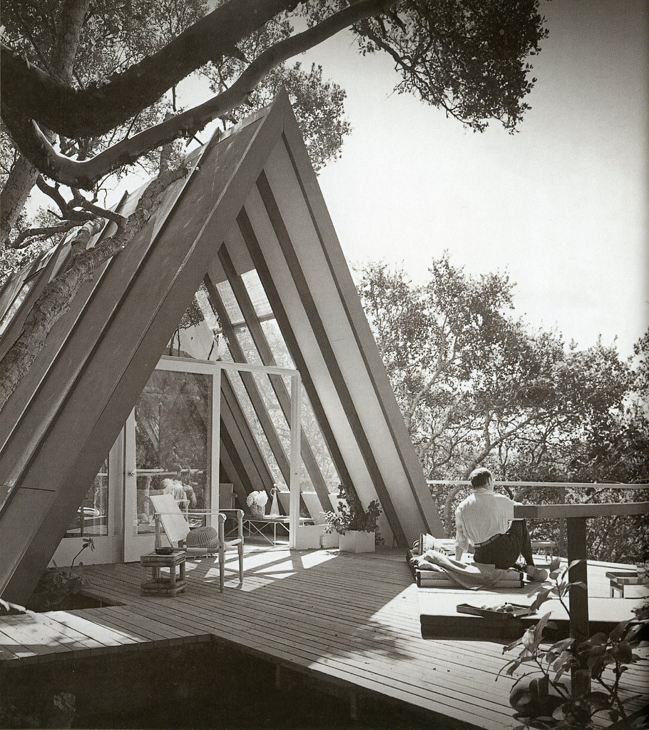 How Build Vertical Garden Frame