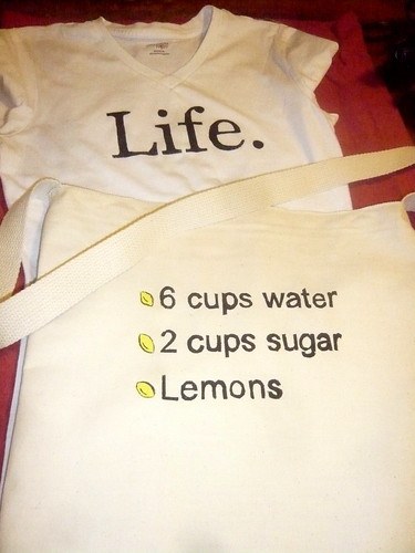 Life gives you lemons by floating ink