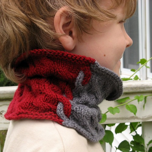 2524 two-color cowl