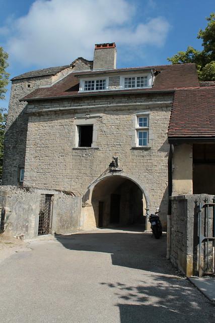 Portail d'entrée de l'ancienne abbaye des Bénédictines