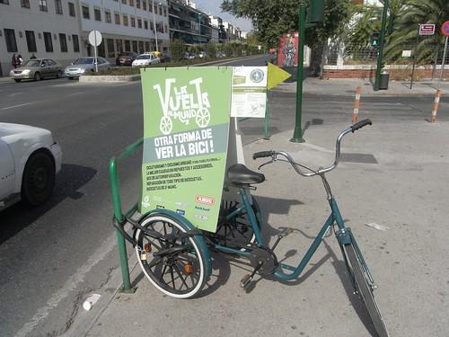 Tienda de Bicis La Vuelta al Mundo en la Plaza de las Magras.