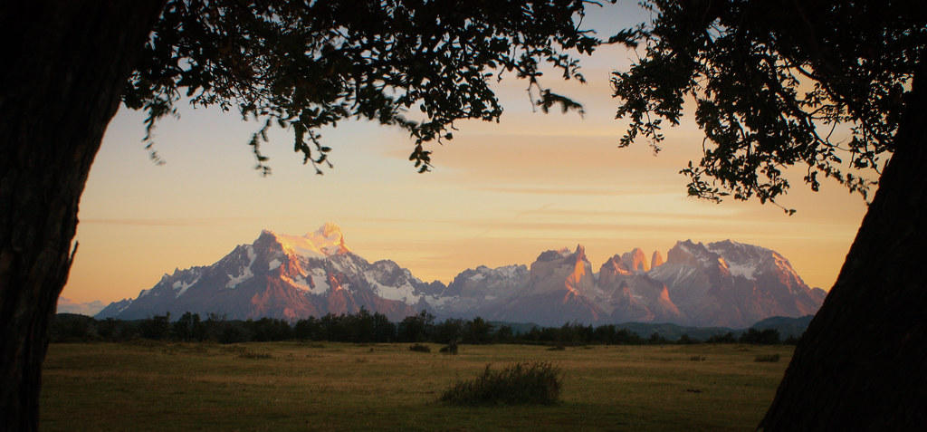 Zonsopgang in het Nationaal Park Torres del Paine. Patagonië. Zuid-Chili.