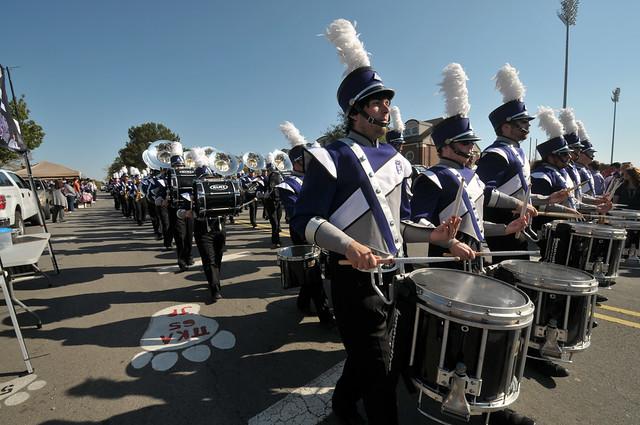 Homecoming 2011 tailgating and parade