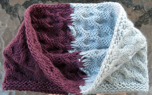 2740 Kumara Two-Color Cowl (inside)
