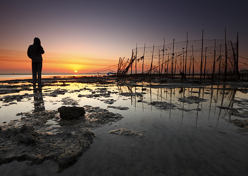 Kuwait - Fish trap sunrise by © Saleh AlRashaid / www.Salehphotography.net