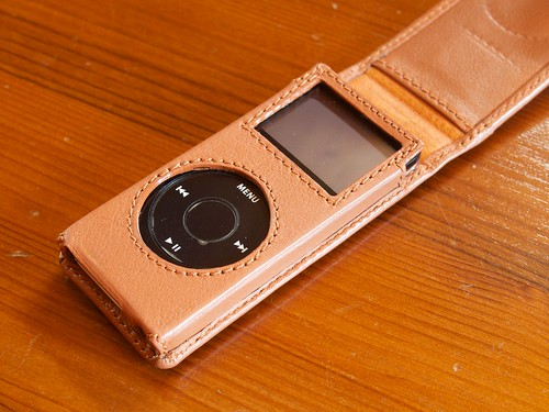 iPod nano (1st Generation) and Piel Frama Leather Case