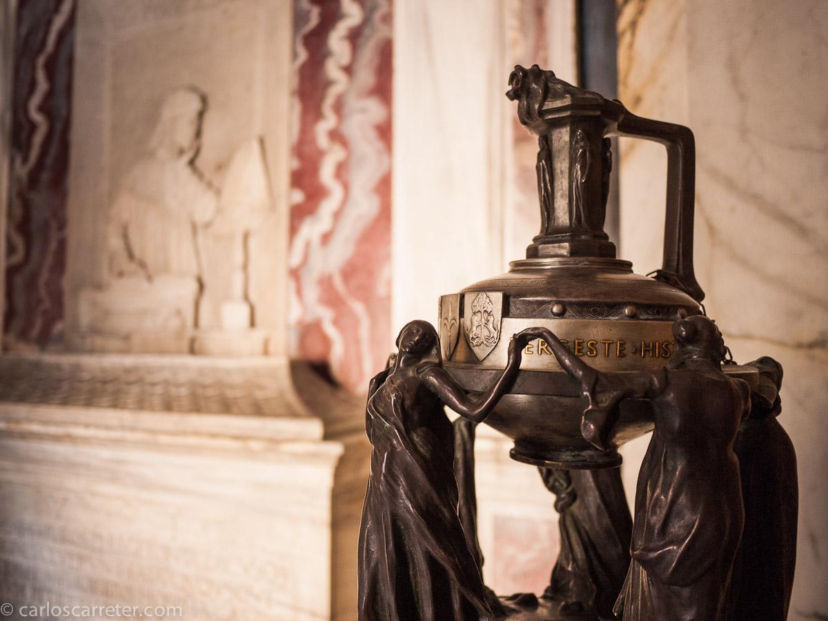 Tumba de Dante Aligheri