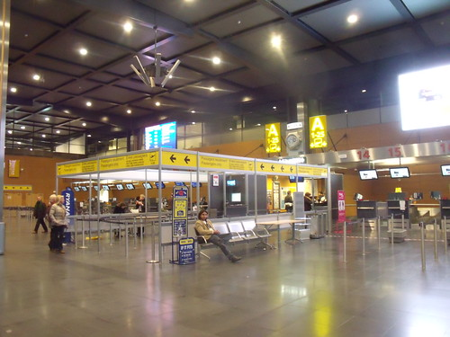 2011.11.09.008 - CHARLEROI / GOSSELIES - Aéroport de Charleroi Bruxelles-Sud