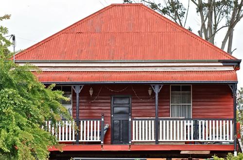 House between Highfields & Crows Nest
