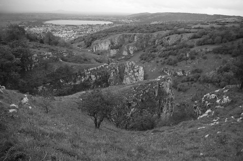 20110918-15_(b+w) Cheddar Gorge Buttresses and Reservoir by gary.hadden