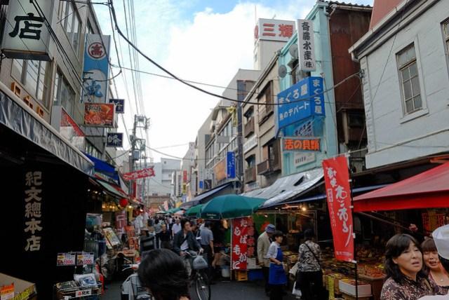 很像台灣的菜市場,不過稍微乾淨些