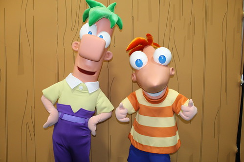 Meeting Phineas and Ferb at the Phineas and Ferb Exhibit at Comic-Con