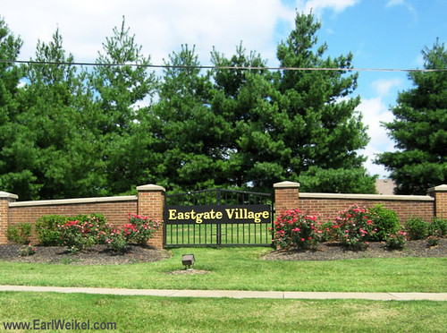 Eastgate Village Louisville KY Houses and Patio Homes For Sale 40223 off Aikin Rd near Shelbyville Rd and I-265 by EarlWeikel.com