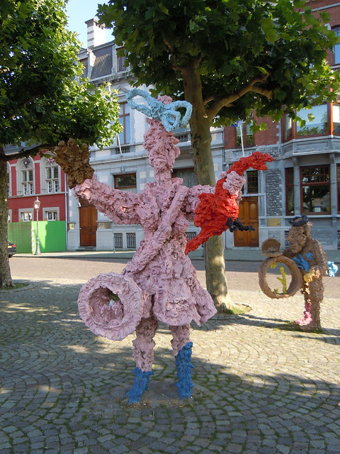 fun statues in Maastricht