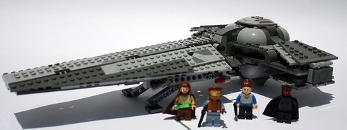 7961 - Sith Infiltrator Set pic and figures