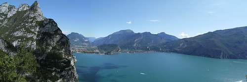 view of the old Ponale road on the left and the end of the lake frm Pregasina