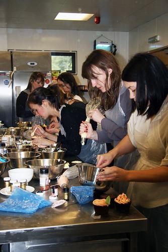 Cirencester Cupcakes - National Trust Cupcake Decorating Workshop