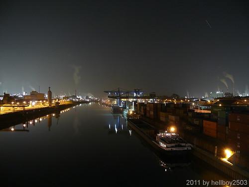 Mannheimer Hafen bei Nacht by hellboy2503