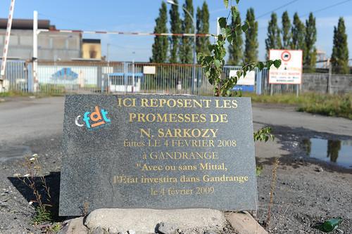 Gandrange : Plaque déposée par les salariés d'ArcelorMittal