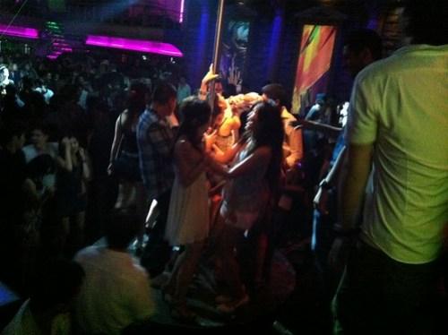 [台湾2.5] クラブLUXYで踊る人たち