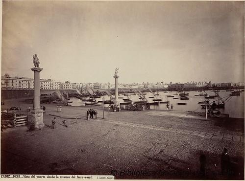 Cádiz, vista del puerto desde la estación de ferrocarril