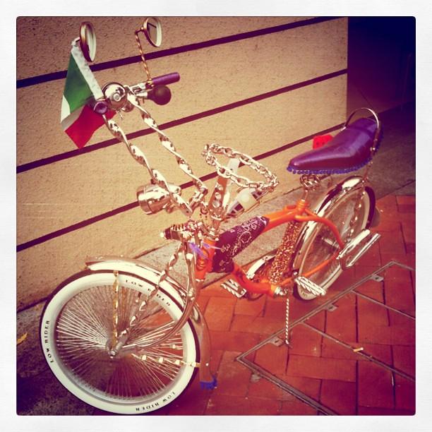 shahril's orange bike