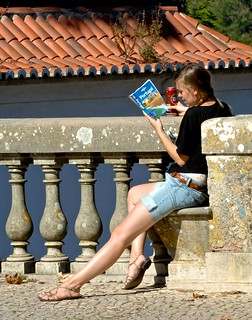 Reading a touristic guide