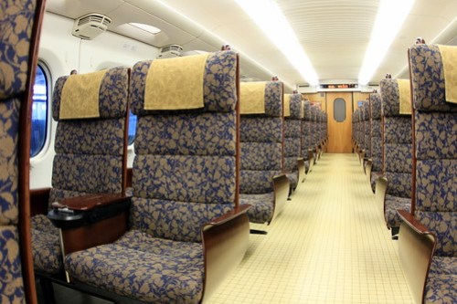 九州新幹線つばめ シートの質感が良すぎる…