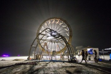 221BurningMan2011_MikeHedge_6760_7D