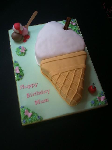 Cirencester Cupcakes - Ice-Cream Cone Cake for Winstones Ice-Cream