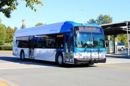A Community Transit 40' low-floor bus, courtesy of Oran Viriyincy.