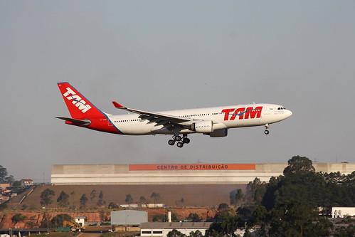 Airbus A330-200 da TAM @ SBGR
