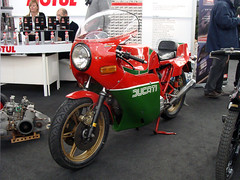 Ducati 900 Mike Hailwood Replica