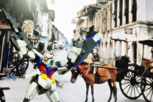 Gundams Philippines  on Vacation 2012 Funny Cute (4)